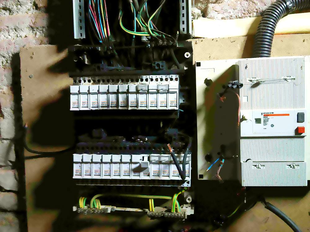 urgence lectricit mons elec electricit plomberie chauffage sanitaire electricien. Black Bedroom Furniture Sets. Home Design Ideas